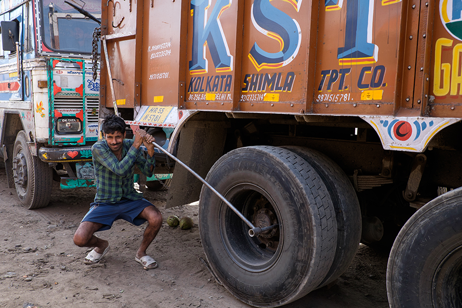 Photo Essay Indian Trucking